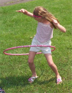 5 Girl with hoop L